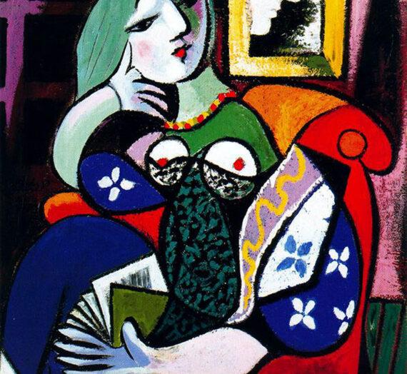 Le détournement de la Femme avec un livre de Pablo Picasso dans la publicité